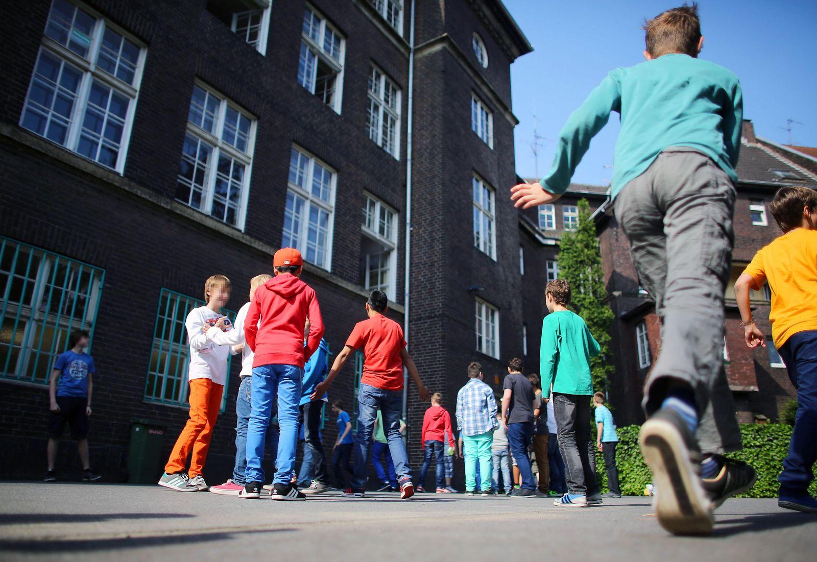 Schulhof/ Elsa Brandström Gymnasium