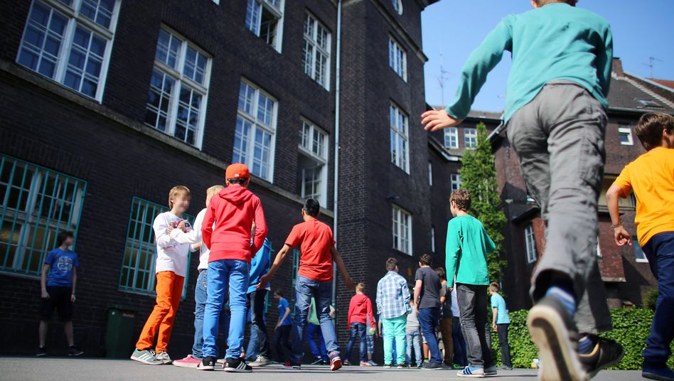 Schulhof in NRW (Symbolbild)