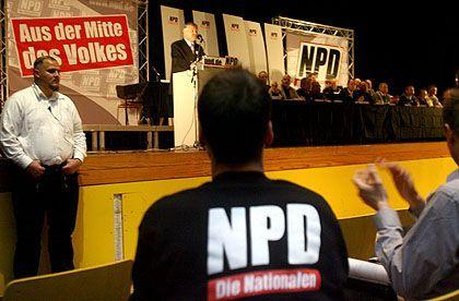 """NPD-Parteitag (November 2006 in Berlin): """"Rechtsextreme haben in der Bildung nichts zu suchen"""""""
