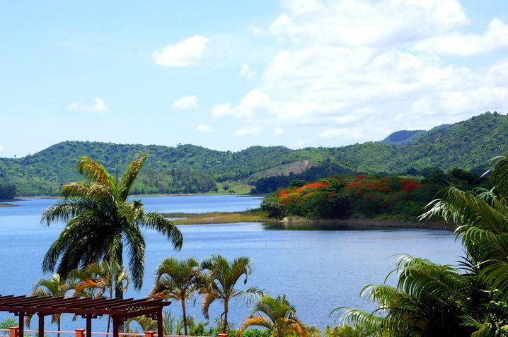 Stausee La Hanabanilla: Verschlungene Pfade