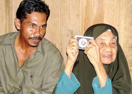 """Der 33-jährige Ehemann und seine 104-jährige Gattin: """"Es ist Allahs Wunsch"""""""