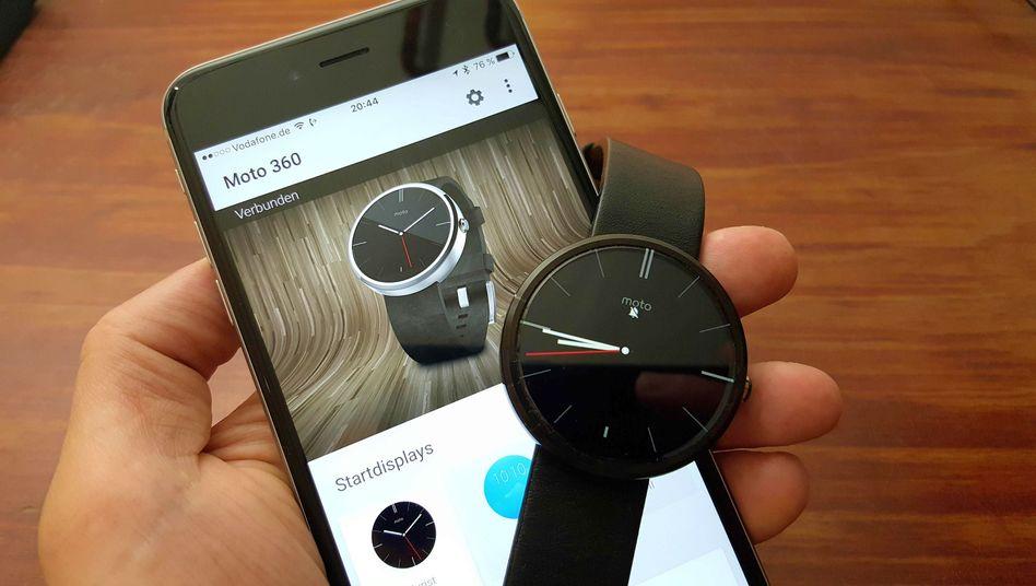 Android Wear auf einem iPhone: Funktioniert auch mit der Moto 360