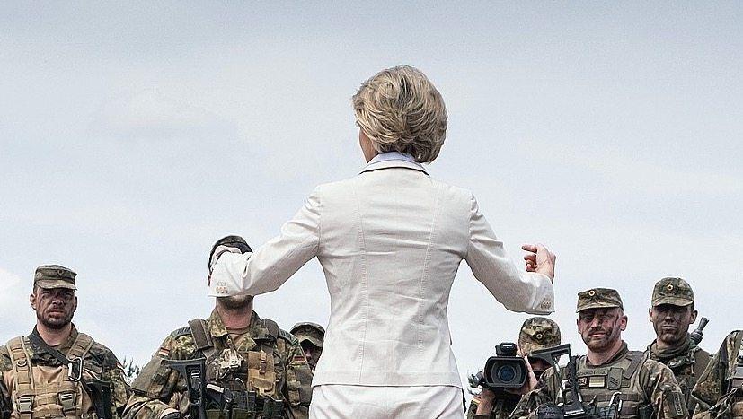 """Ministerin von der Leyen: """"Wir brauchen Hilfe von außen"""""""