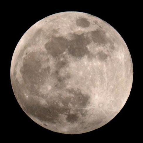 "Mond: Höhere Uranwerte im ""Meer der Stürme"" links oben"