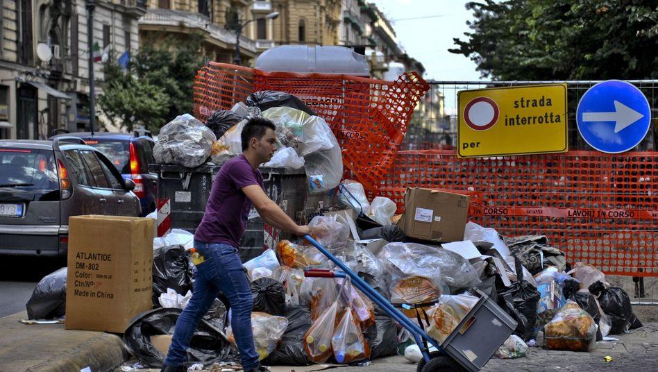 Müllberge in Neapel: Eine überall präsente, allmächtige Bürokratie