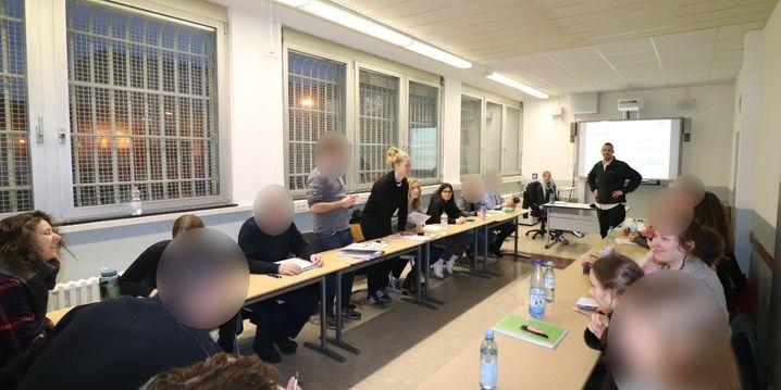 """Seminar hinter Gittern: """"Am Anfang haben wir schon spekuliert, was die gemacht haben"""""""