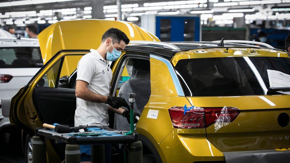 Autoproduktion bei VW: Hohe Quoten bei der angezeigten Kurzarbeit