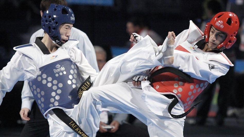 Kampfsportler Laachraoui (r.): In die große Weltpolitik geraten