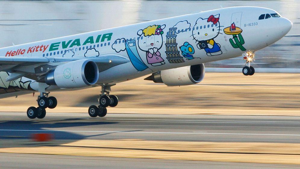 Hello-Kitty-Flugzeuge von Eva Air: Rosa Check-in mit Schleife