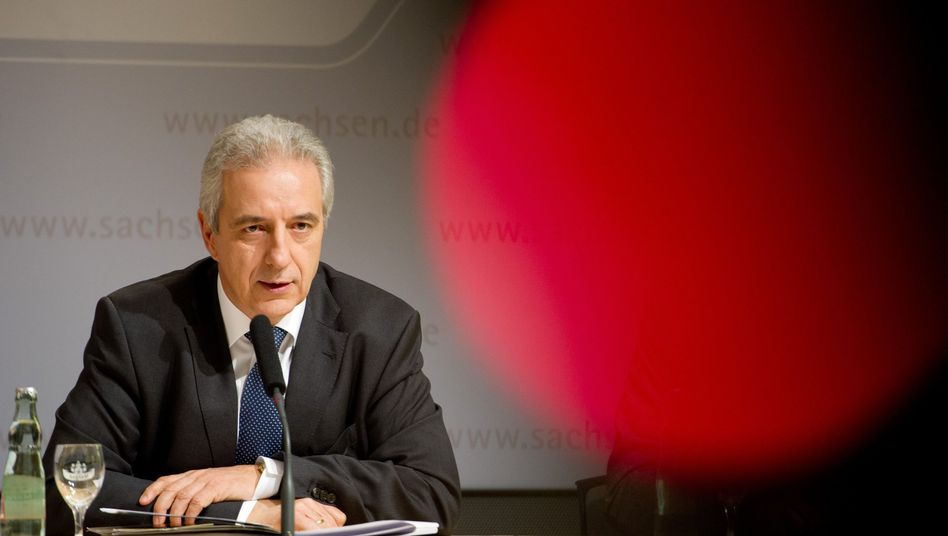 """Ministerpräsident Stanislaw Tillich bei Kabinetts-Pressekonferenz: """"Sehen eine Möglichkeit"""""""
