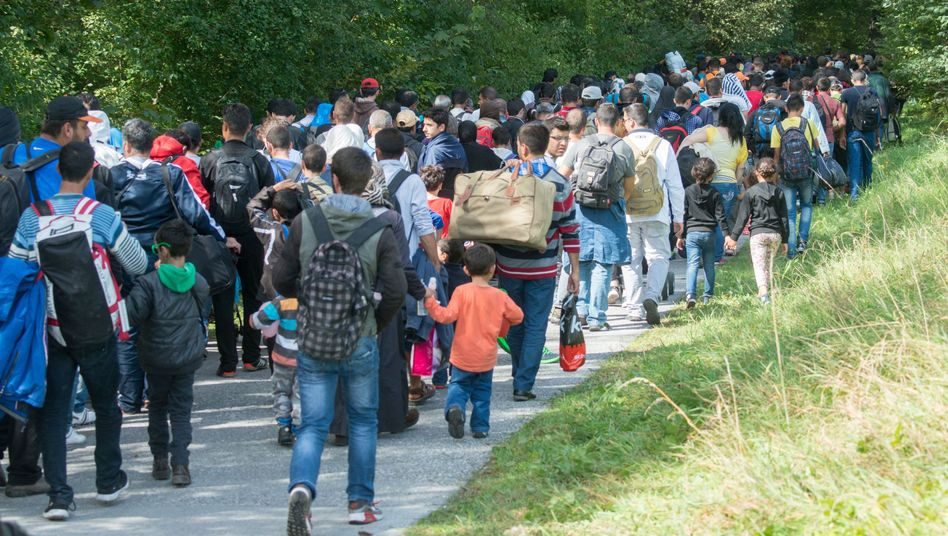 Flüchtlinge auf dem Weg ins bayerische Freilassing: Schwierig, genaue Zahlen zu ermitteln