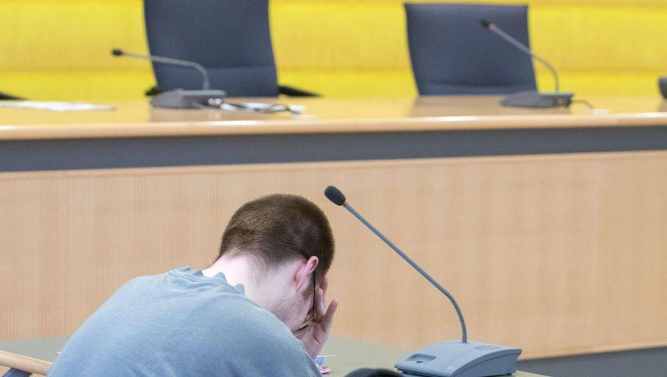 Der Angeklagte Tobias B. im Landgericht in Regensburg