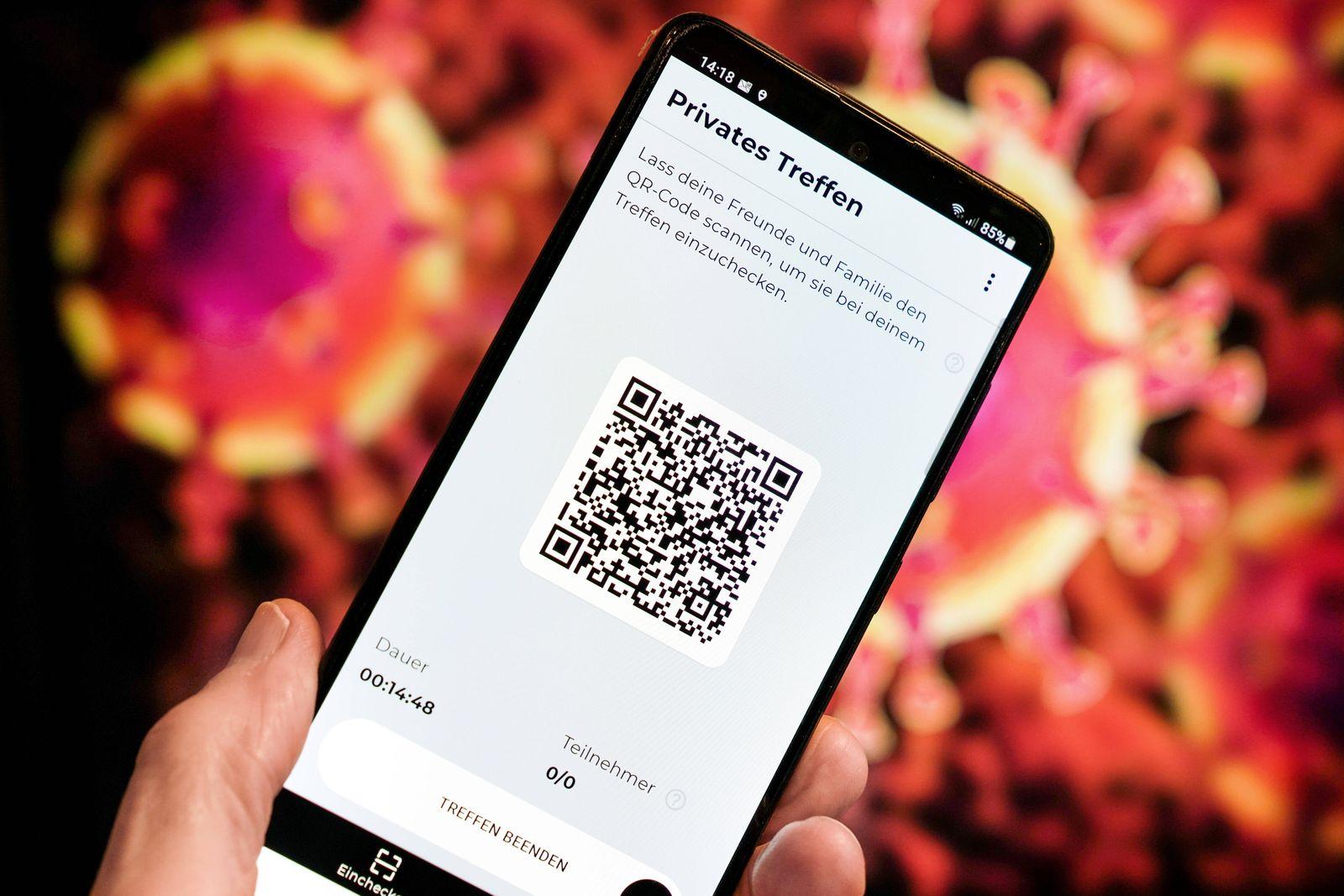 Luca-App, QR-Code auf einem Smartphone. In Kooperation mit dem Berliner Start-up nexenio hat Rapper Smudo von den Fantas
