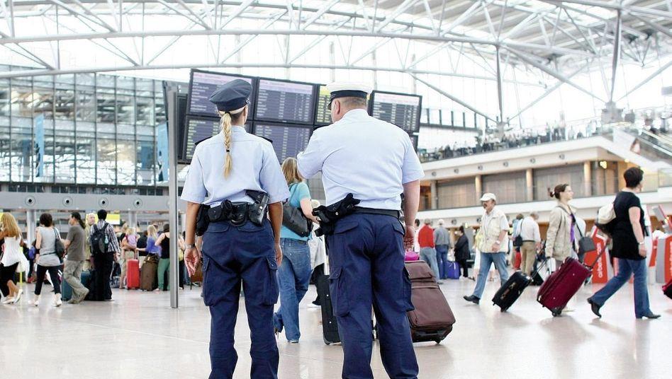 Bundespolizei am Hamburger Flughafen