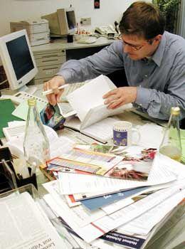 Durcheinander auf dem Schreibtisch: Indiz für Dilettantismus?