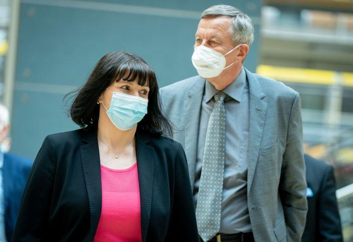 Unterlegene AfD-Politiker Joana Cotar und Joachim Wundrak