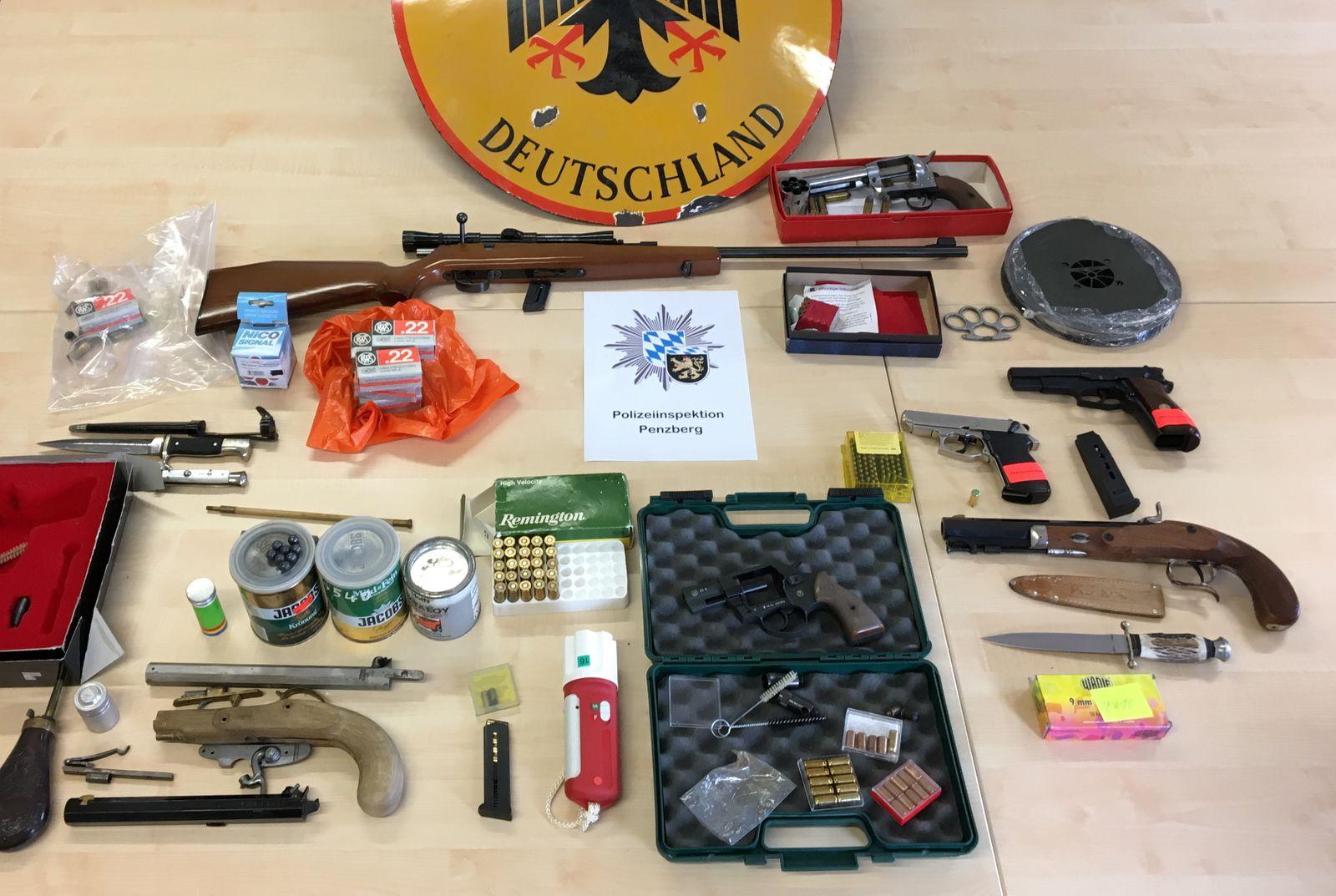 Waffen-Razzia in Oberbayern