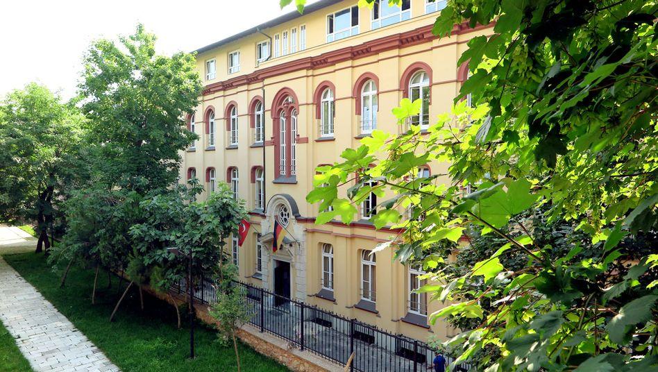 Deutsche Schule in Istanbul: Als Standorte für türkische Schulen seien unter anderem Köln und Berlin im Gespräch