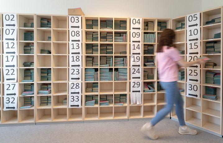 Stimmzettelmagazin des Wahlamts in Bielefeld