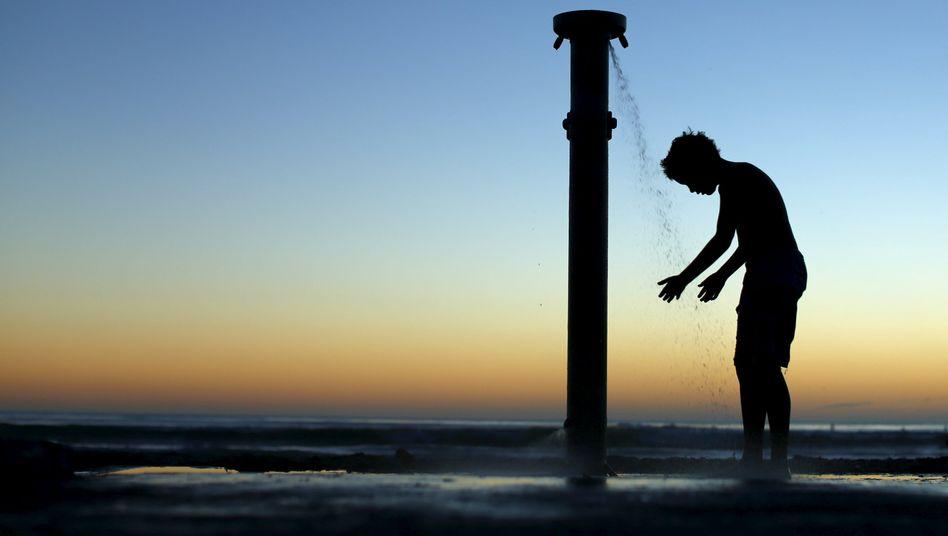 Stranddusche an der Küste Kaliforniens: Noch läuft das Wasser