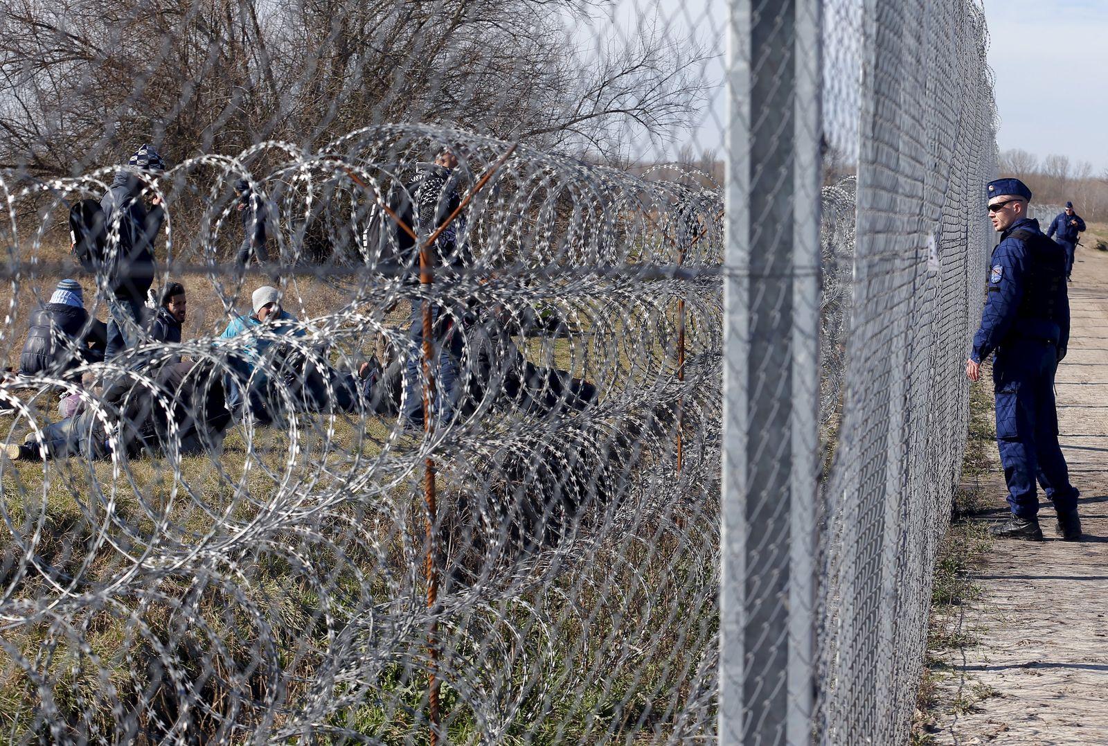 Ungarn / Serbien / Grenze / Flüchtlinge