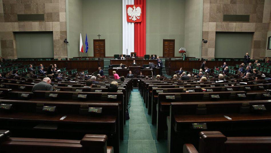 Debatte um Mediengesetz im polnischen Parlament: Mit der Reform steigt die Kontrolle der Regierung auf die Medien
