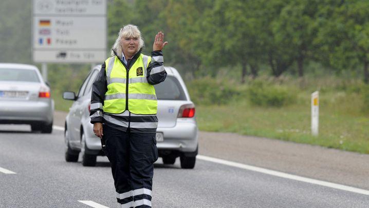 Zollkontrollen: Anhalten an der dänischen Grenze