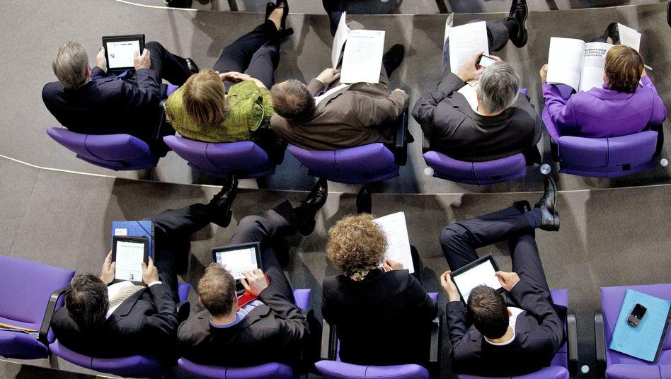 Job mit Zukunft im Bundestag: Mehrjährige Beschäftigung