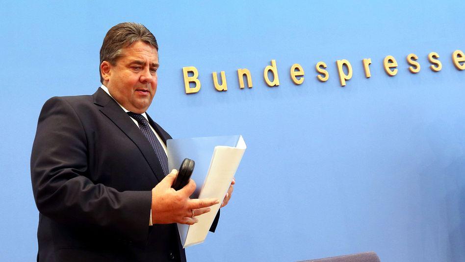 Wirtschaftsminister Gabriel: Waffen weiter an umstrittene Länder exportiert