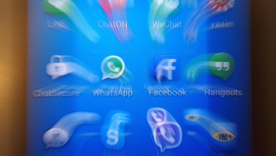 Smartphone mit Messenger-Apps