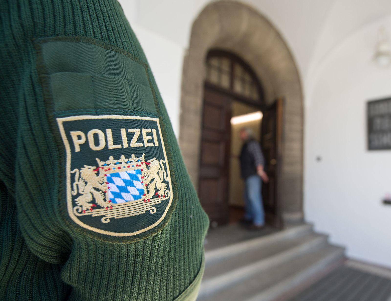 Polizei / Schule
