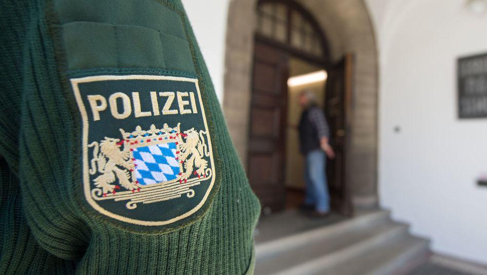 Polizist in Bayern (Archiv): Nach einem Präventionsseminar ermittelt die Staatsanwaltschaft