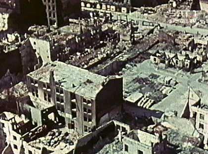 """Zerstörtes Wohngebiet: Die Alliierten nannten ihr Vorgehen """"Dehousing"""" (Enthausung)"""