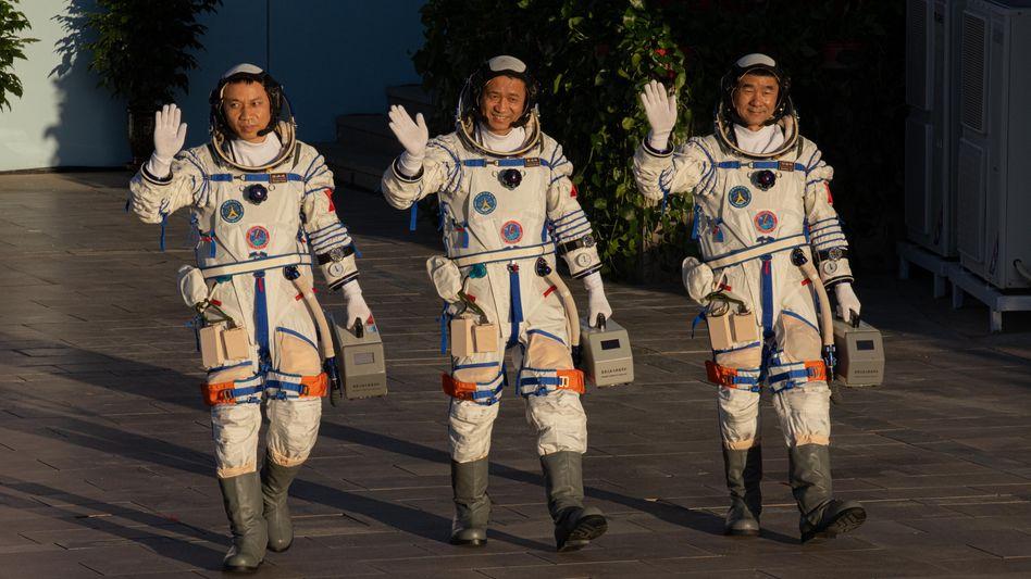 Chinesische Raumfahrer vor dem Start