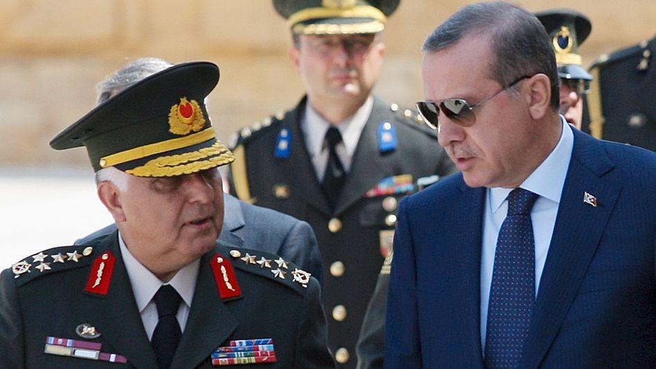 Türkischer Generalstabschef Özel, Premier Erdogan: Das Primat der Politik anerkennen