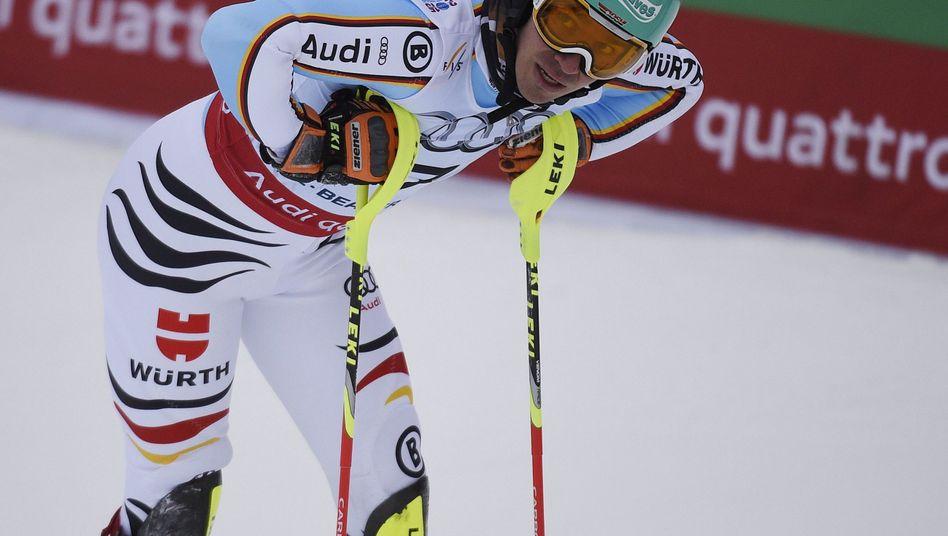 Skirennläufer Neureuther: Über eine Sekunde Rückstand im ersten Lauf
