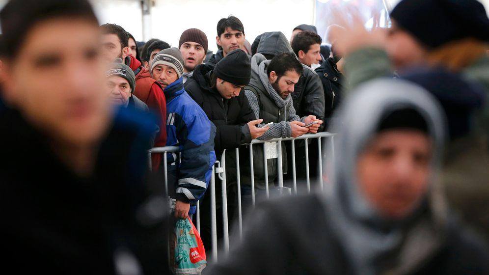 Flüchtlinge in Berlin: Chaos, Streit, Überforderung
