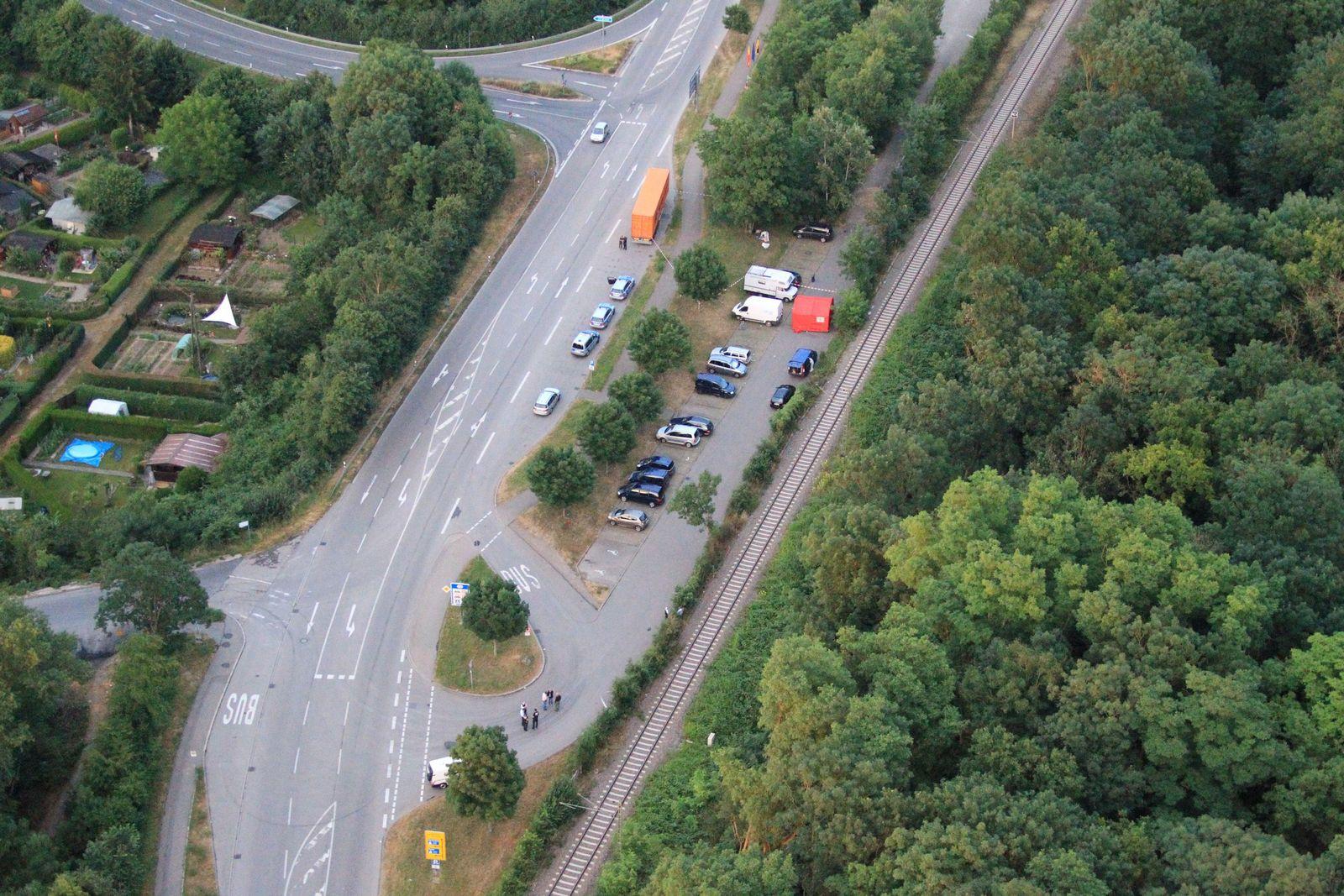 EINMALIGE VERWENDUNG Neuenburg/ Tötungsdelikt/ Pendlerparkplatz