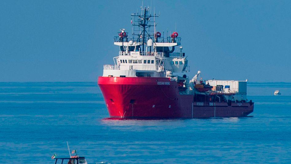"""Die """"Ocean Viking"""" vor Lampedusa"""