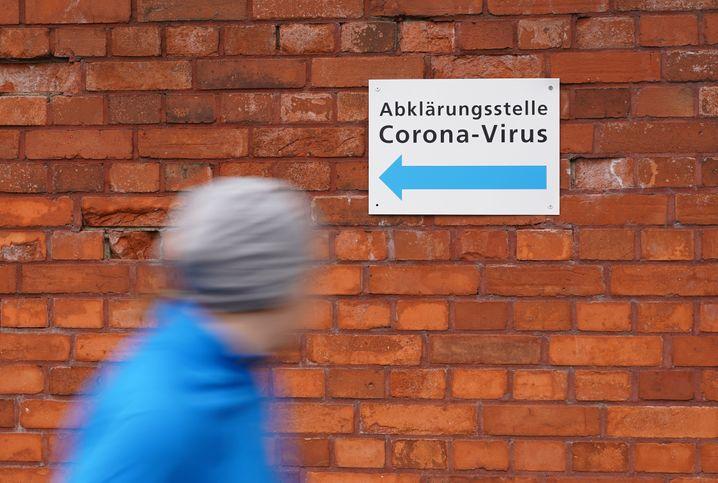 Coronatest-Stelle (in Berlin): Eingeschränkter Zugang zur Gesundheitsversorgung