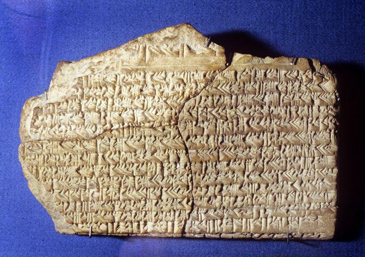 Babylonische Keilschrift mit astronomischem Tagebuch