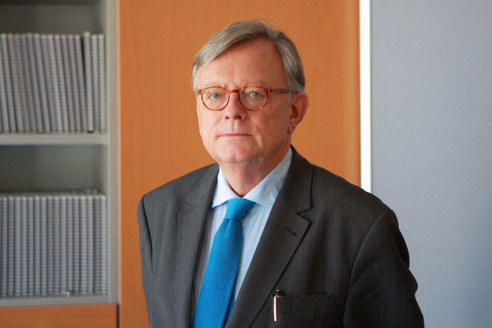 Professor Dr. Ludwig Salgo