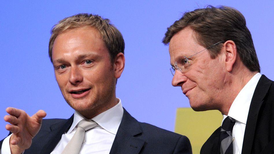 FDP-Generalsekretär Lindner, Parteichef Westerwelle: Richtungswechsel in der Atompolitik
