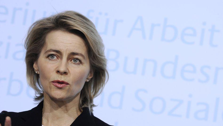 Arbeitsministerin von der Leyen: Durchbruch im monatelangen Jobcenter-Streit