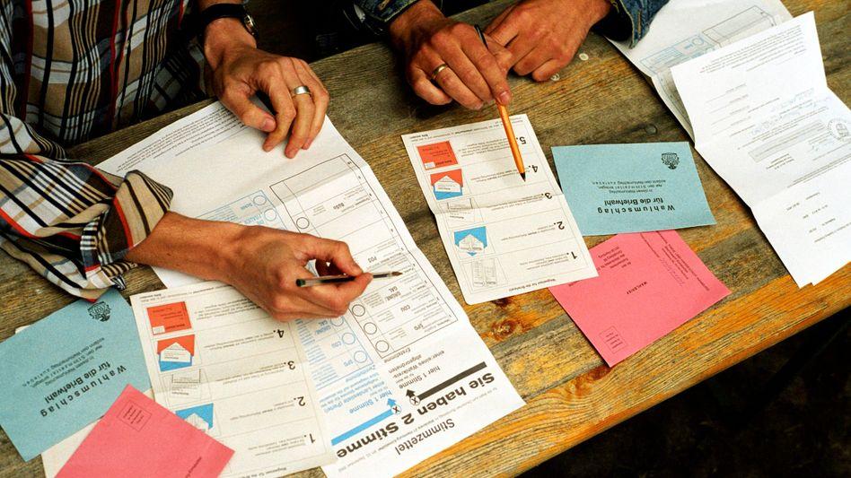 Wen wählen? Die Wahlprogramme geben Auskunft, was die Parteien vorhaben, sollten sie in Regierungsverantwortung kommen