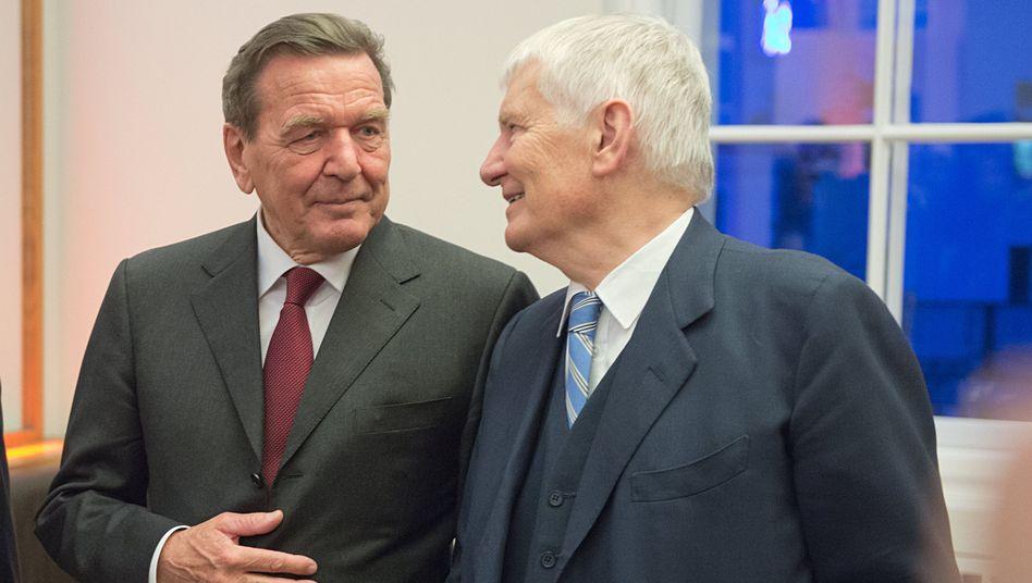 Ex-Kanzler Schröder, Ex-Innenminister Schily: Von kasachischen Interessen verführt