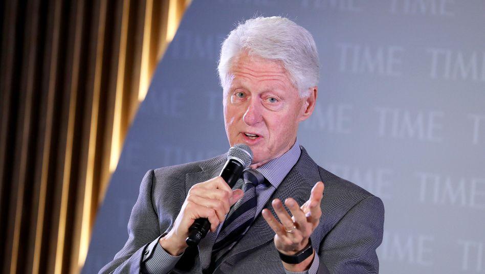 Bringt bald seinen zweiten Krimi in die L??den: Bill Clinton