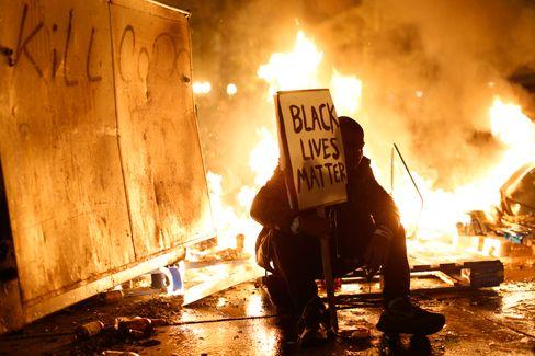 Brennende Wut: Anti-Rassismus-Protest 2014 in Oakland, Kalifornien