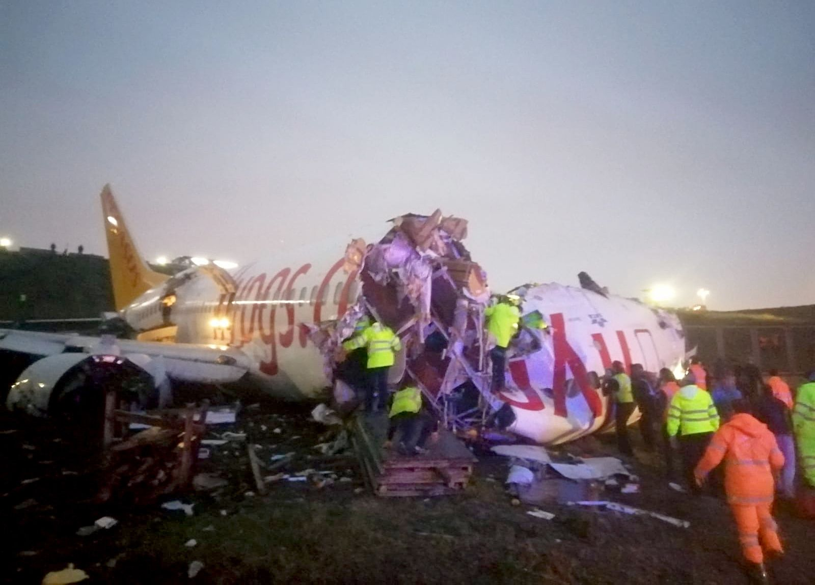 Turkey: Plane skids off runway in airport in Istanbul
