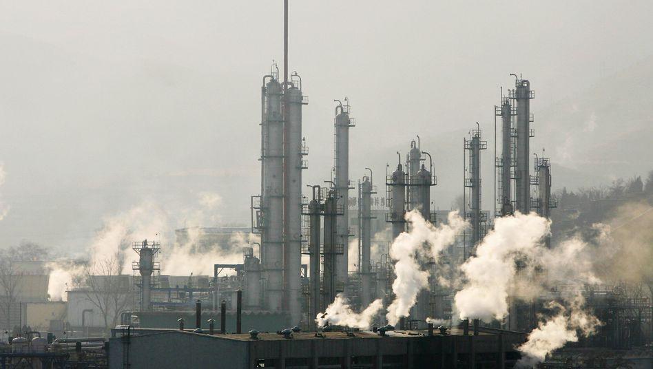 Chinesische Benzinproduktion: Treibstoff für Teheran